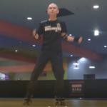 ローラーダンス・8回右足を踏んで左一回転